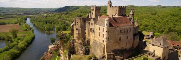 chateau_de_beynac_vue_globale_2-1920x640